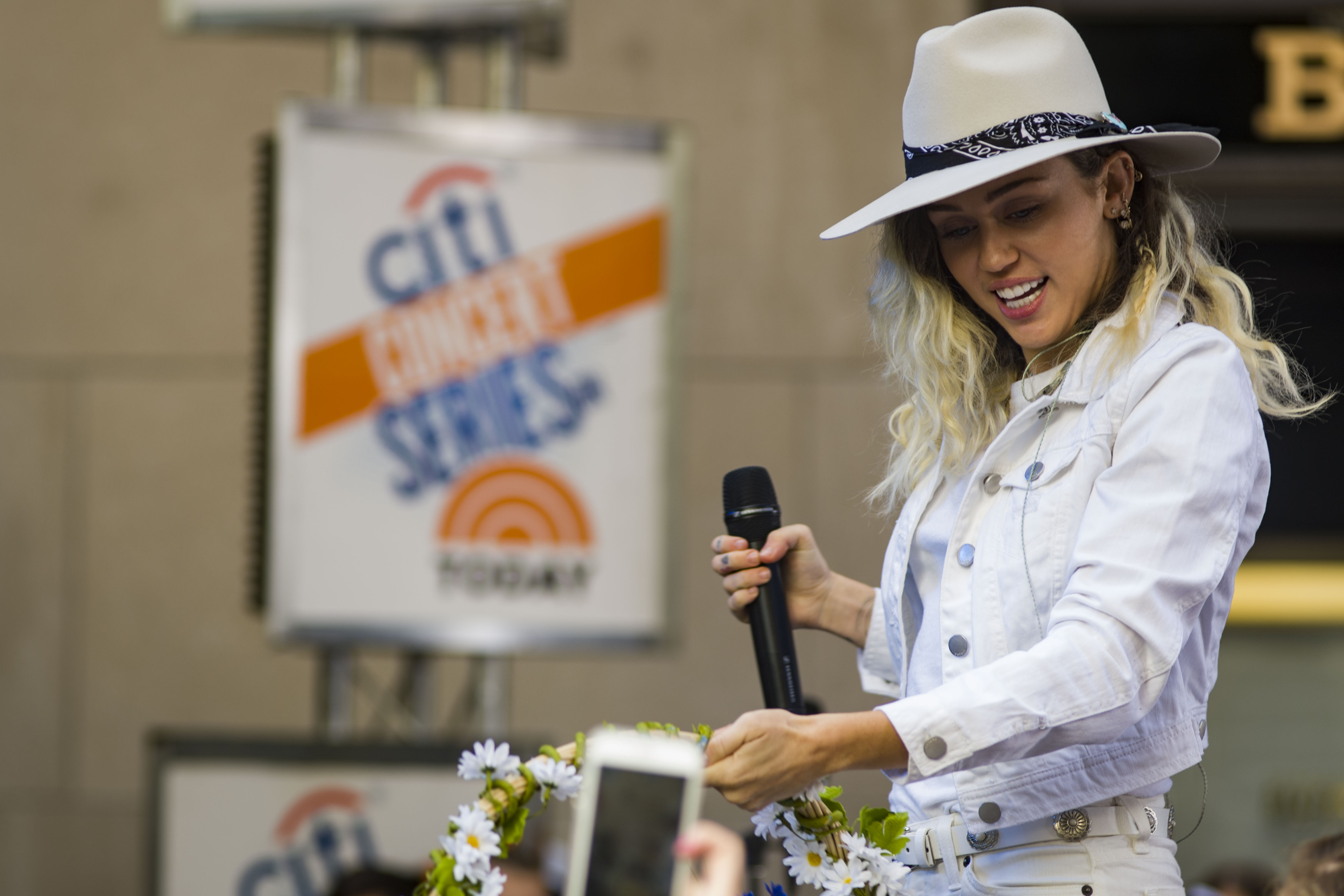 170526-N-EO381-074 NEW YORK (May 26, 2017) Ð Miley Cyrus performs on the Today Show in downtown Manhattan for Fleet Week New York (FWNY). FWNY, now in is 29th year, is the cityÕs time honored celebration of the sea services. It is an unparalleled opportunity for the citizens of New York and the surrounding tri-state area to meet Sailors, Marines and Coast Guardsmen, as well as witness firsthand the latest capabilities of todayÕs maritime services. (U.S. Navy photo by Mass Communication Specialist 3rd Class Casey J. Hopkins/Released)